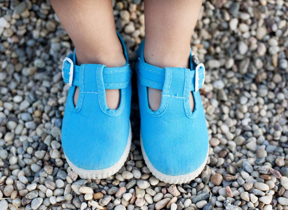 ¿A qué edad le pongo zapatos al peque?