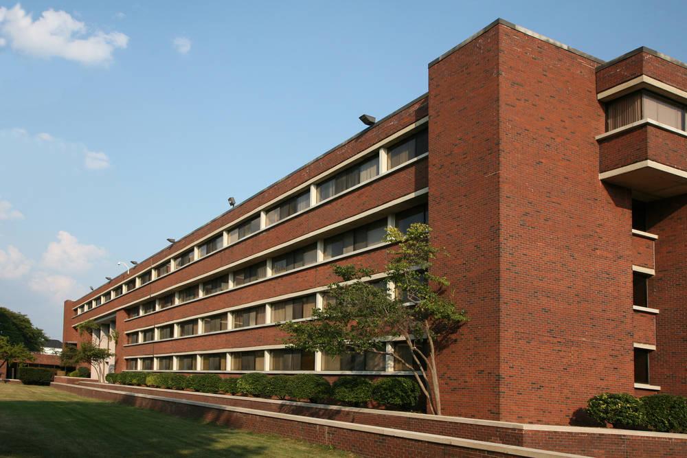 El eterno dilema del estudiante, residencia de estudiantes o piso compartido