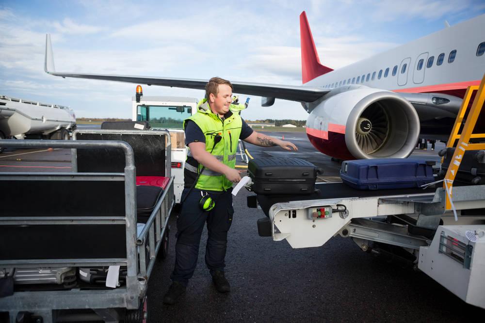 ¿Qué pasa con las maletas en nuestros viajes de avión?