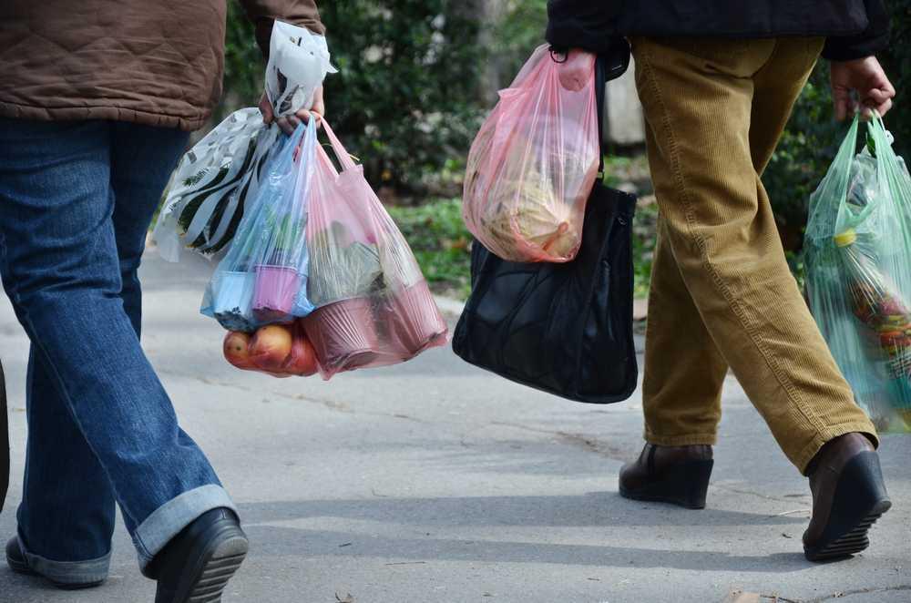 Las bolsas de plástico y la educación medioambiental